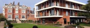 14-campus-hotel